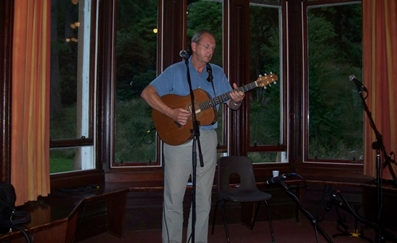 John performing at Dunoon La Jeuss reunion